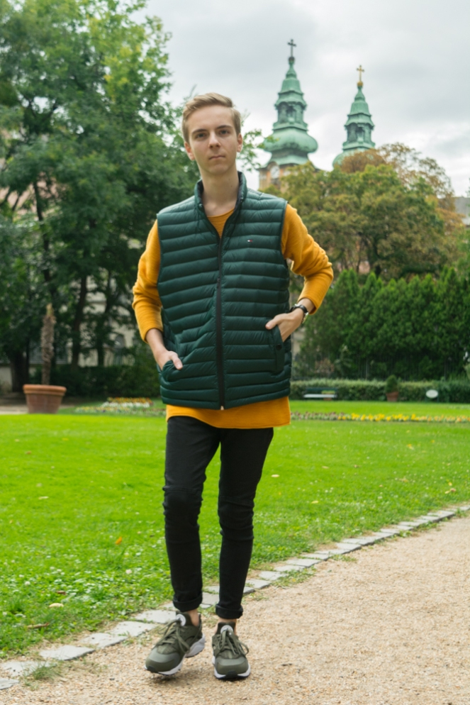 balazs-zsalek-feather-vest-and-khaki-huarace.2