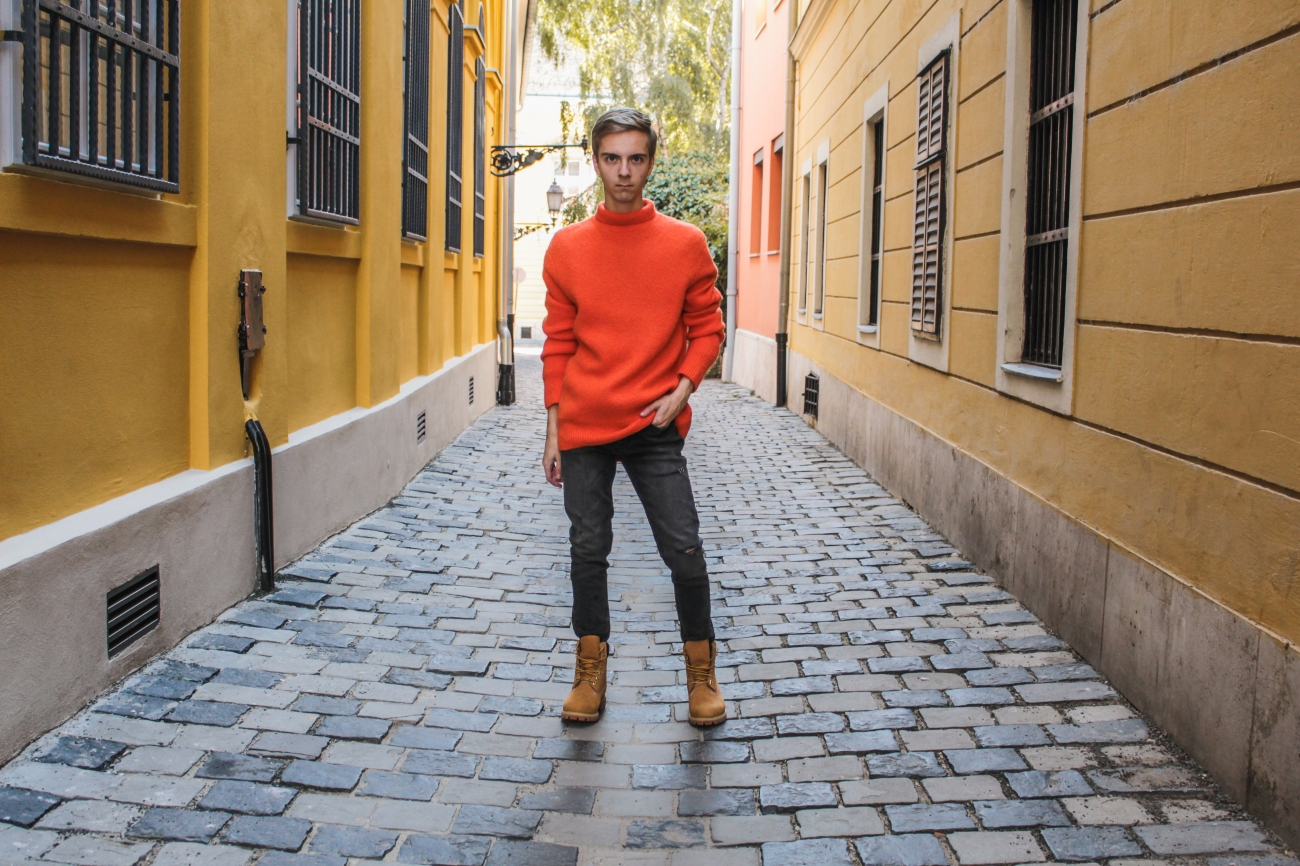 balazs-zsalek-orange-knitted-pullover-and-timberland-boots.6