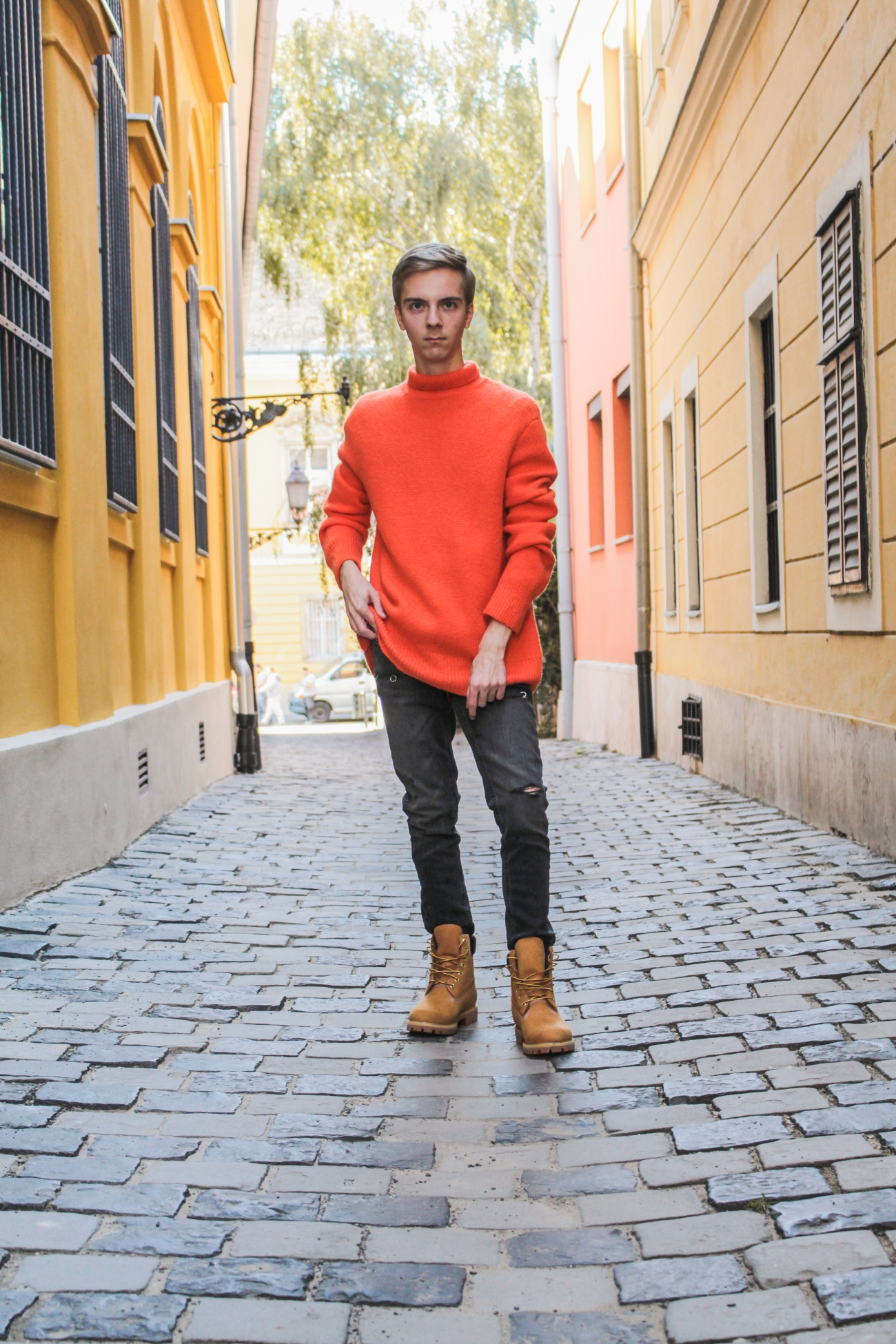 balazs-zsalek-orange-knitted-pullover-and-timberland-boots.3