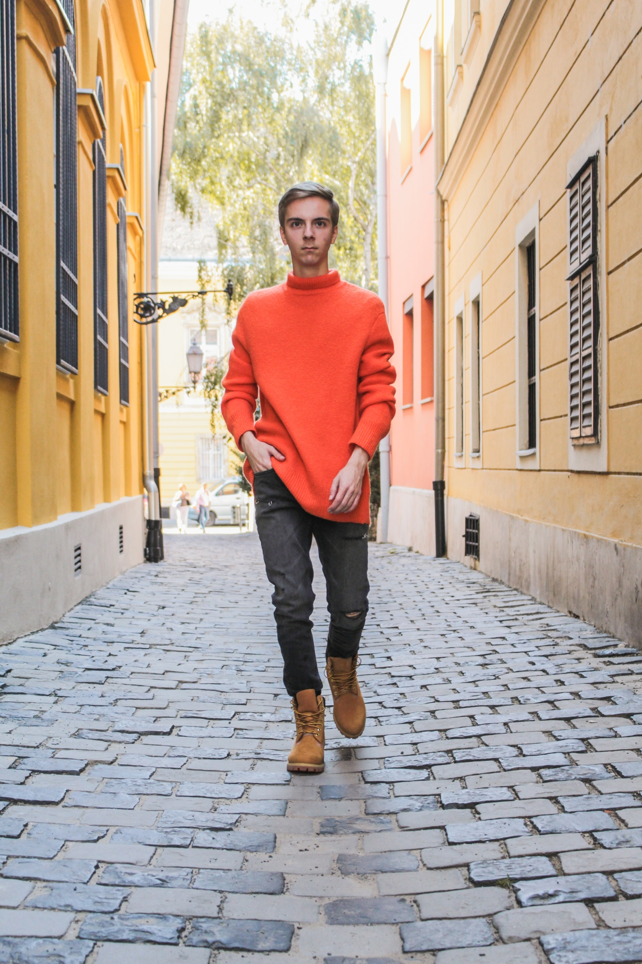 balazs-zsalek-orange-knitted-pullover-and-timberland-boots.1