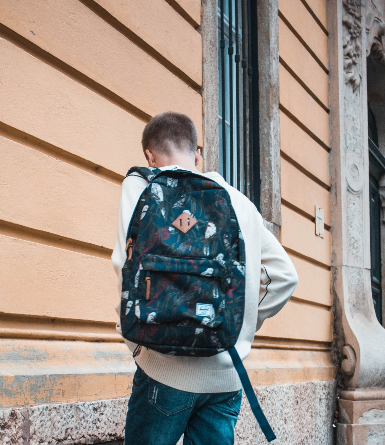 balazs-zsalek-blog-everyday-outfit-tommy-hilfiger-herschel.3