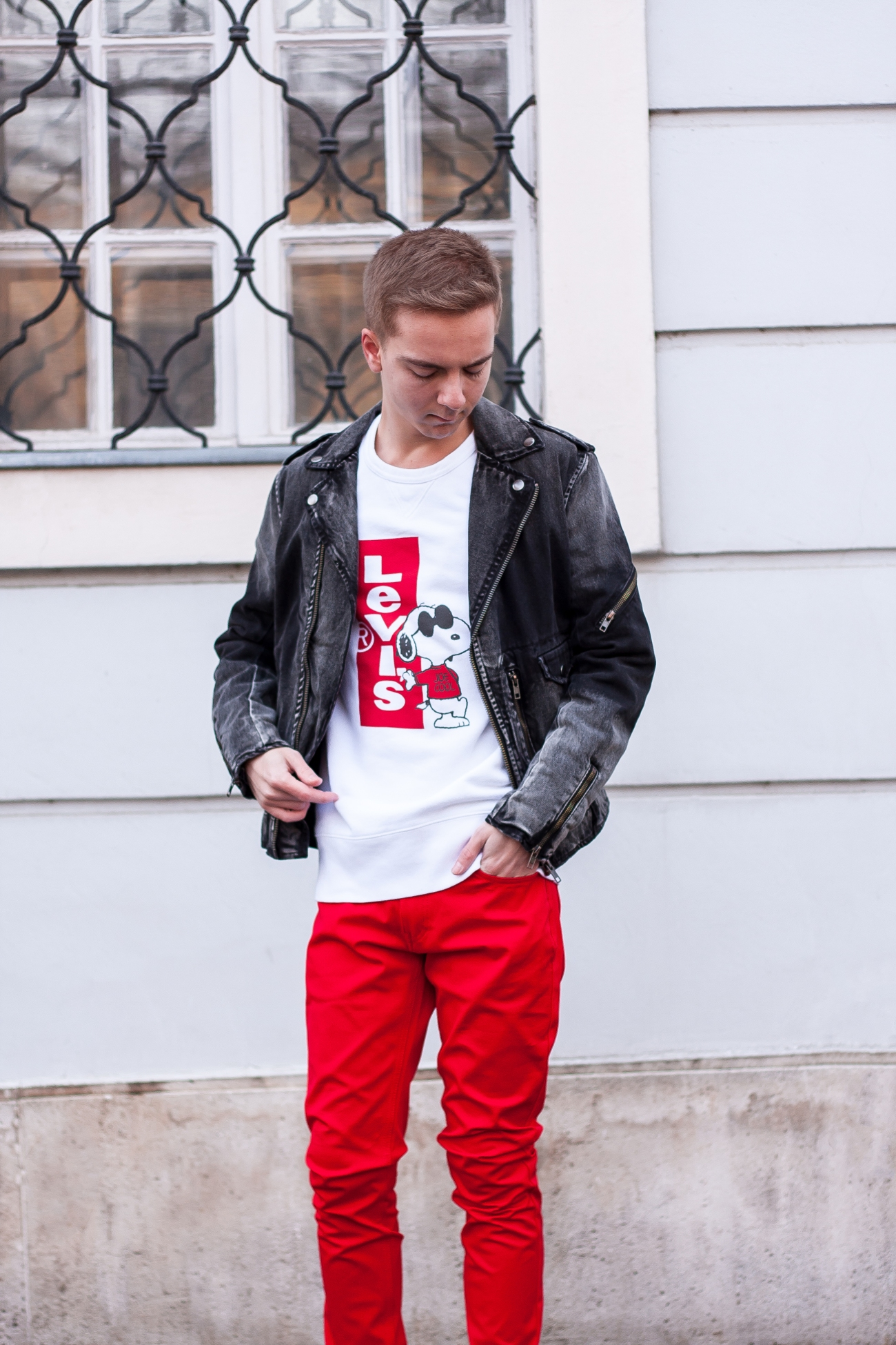 balazs-zsalek-levi's-snoopy-sweater-with-antony-morato-sneakers