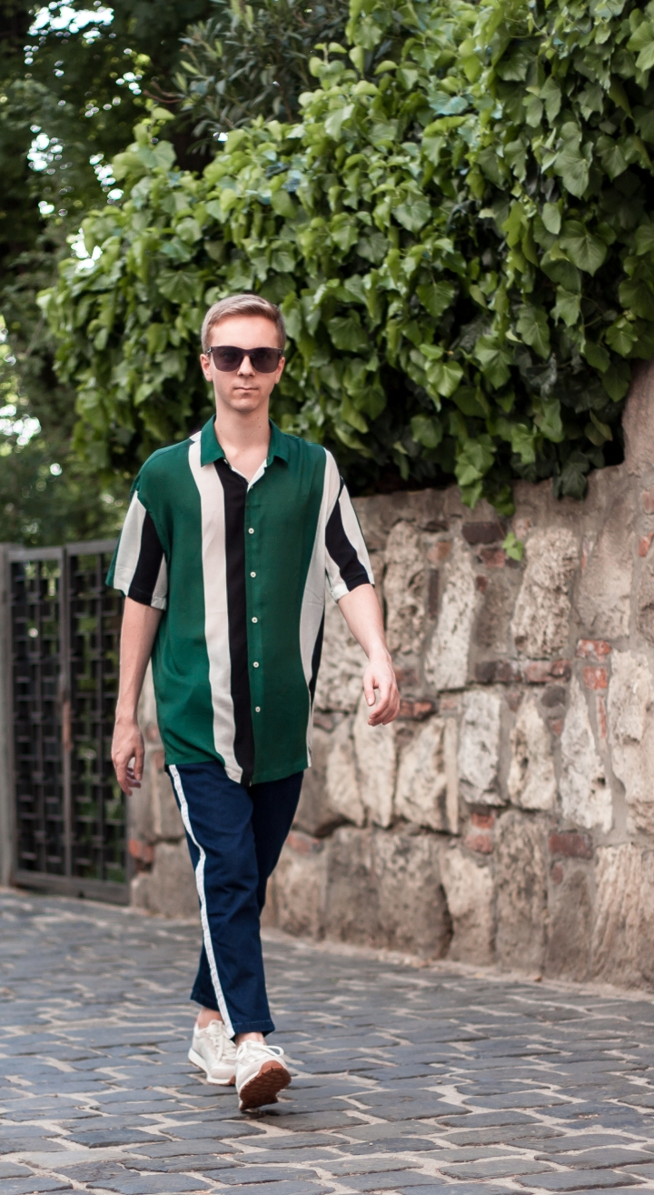 Colour Block Shirt With Acryl Sunglasses